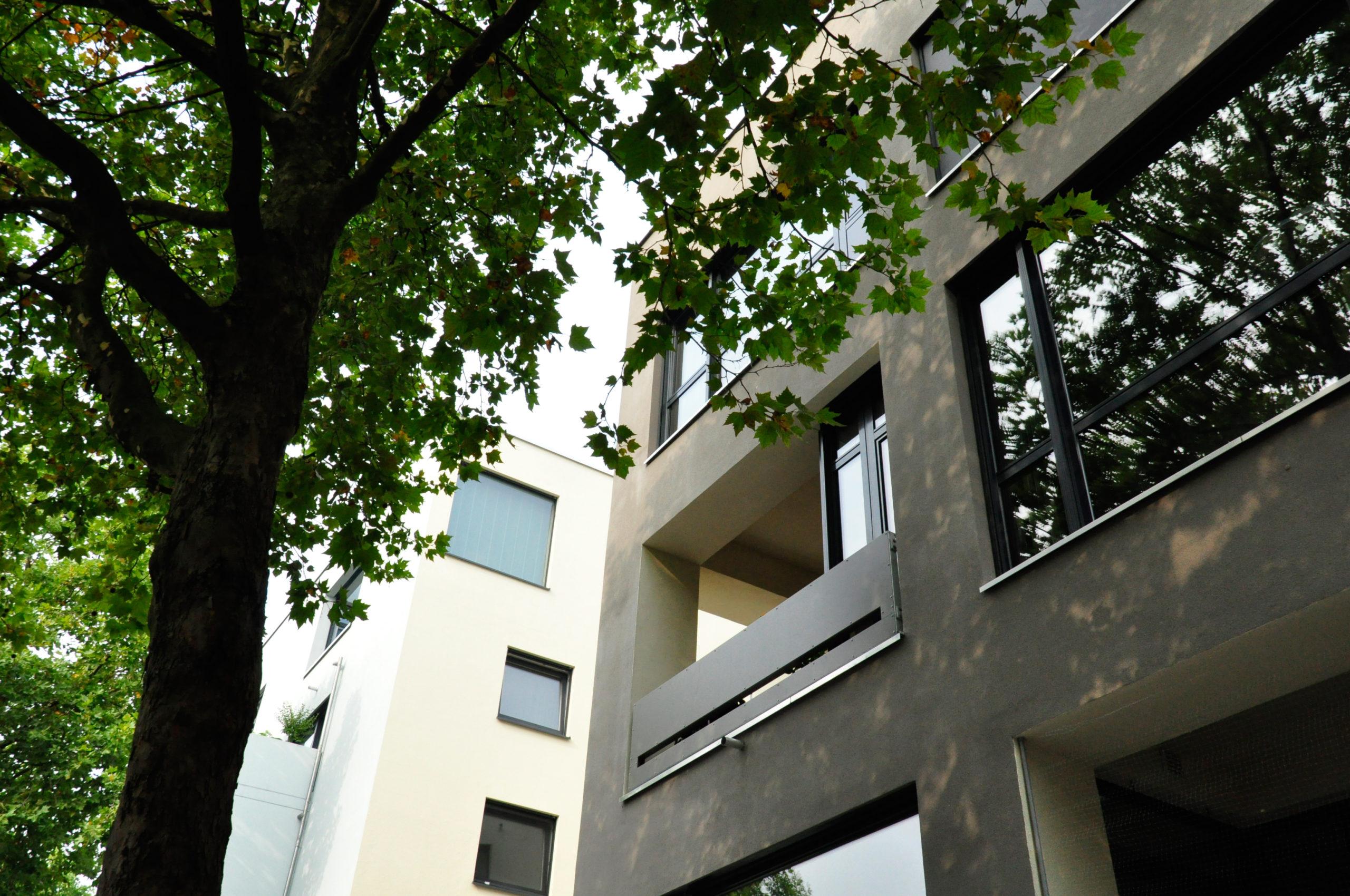 HSK76_SteinwegClausArchitekten_Molestina_Mehrfamilienhaus_Loft_Koeln_00007_Loggia