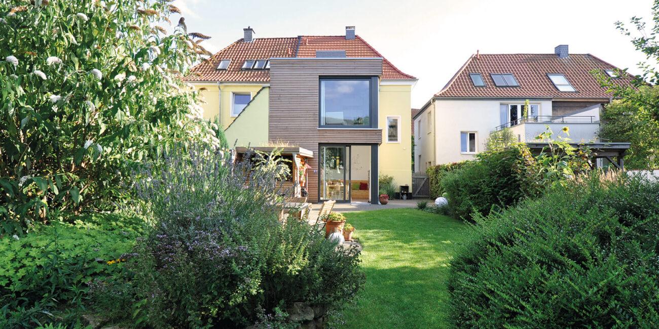Sanierung des Haupthauses und Hausanbau im Garten in Holzbauweise, Architekturbüro Steinweg Claus Architekten, Münster