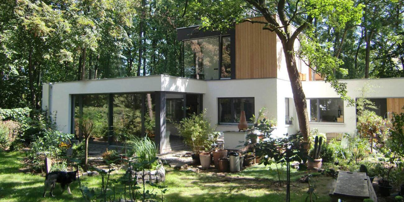 Einfamilienhaus: Umbau und Aufstockung eines Bungalows in Köln, geplant von Steinweg Claus Architekten